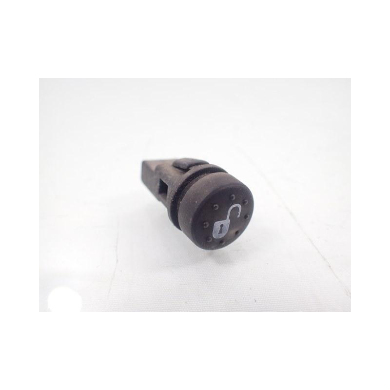 Przełącznik guzik zamka Piaggio X8 X-Evo 125